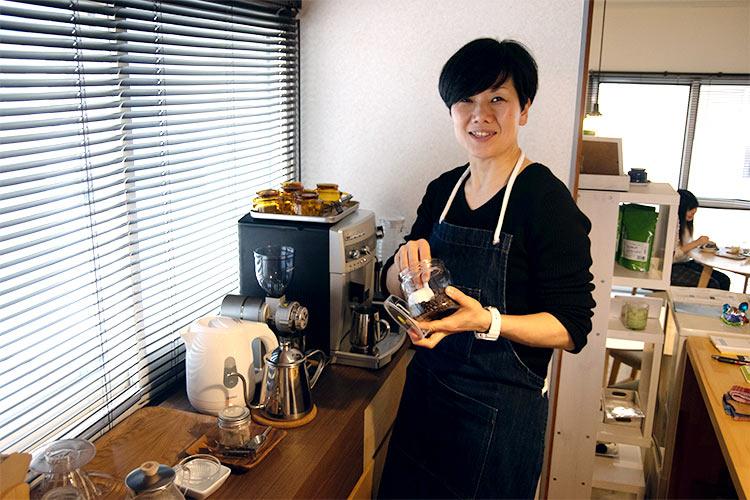 café『Kotoriusagi(コトリウサギ)』路地を入れば、ホッとできる場所