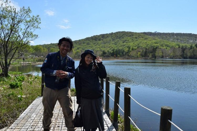 左:ビジターセンターガイド「クマたな」さん八幡平国立公園を知り尽くす!