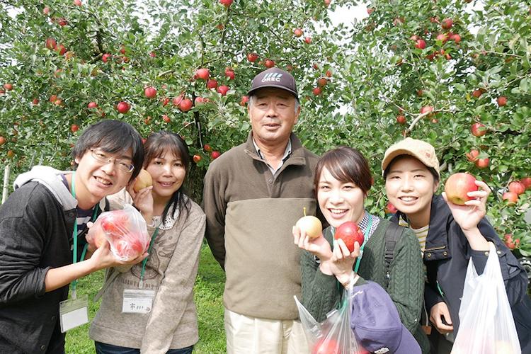 佐藤秀果園 鹿角りんご最盛期!食べてみて~