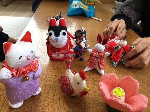 柳沢トシエさん手作りの人形