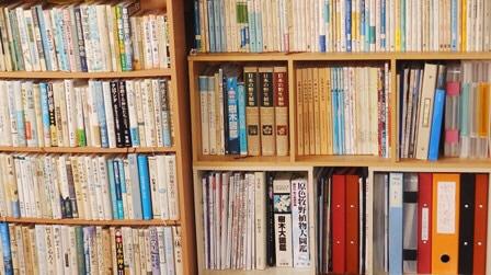 鹿角ライフ 黒澤正さん ご自宅の書棚