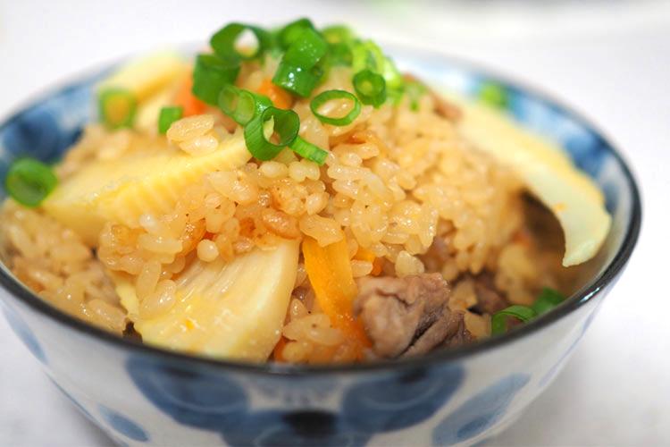 鹿角の恵みたっぷり『たけのこご飯』!八幡平ポークと季節のタケノコを美味しく