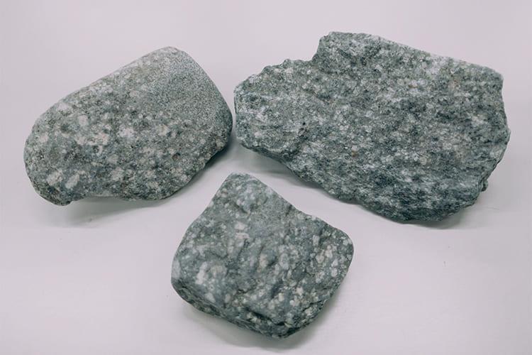 石英閃緑玢岩